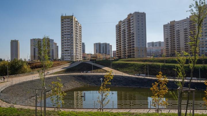 Подрядчик полтора года проектировал школу для Суворовского и сдал провальный проект. А что с другими соцобъектами?