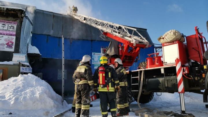 Пожар площадью 200 кв. метров произошел в здании бывшего нижегородского мясокомбината