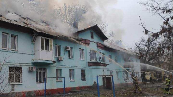 В Таганроге загорелся жилой дом. Погиб один человек