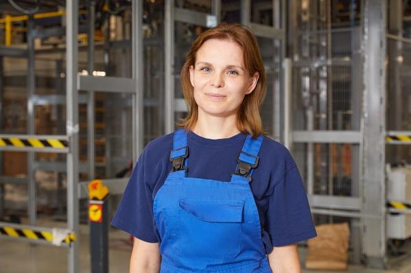 Девушку устраивает заработная плата: за месяц она может заработать от 80 до 100 тысяч рублей