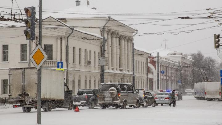 «Мэр не должен мешать»: дорожный активист назвал самые убитые улицы Ярославля
