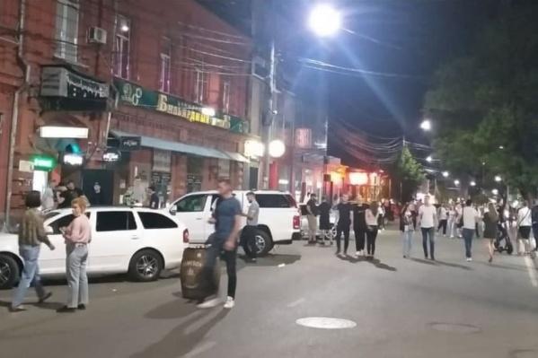 В выходные дни на Красноармейскую вышли десятки людей