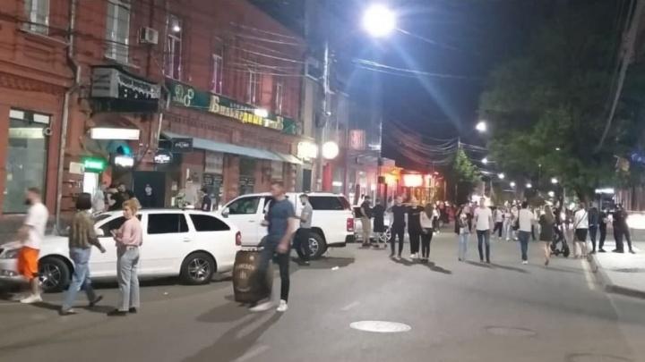 «Улица преображается на глазах»: урбанист — о том, как краснодарцы привыкают к новой пешеходной зоне