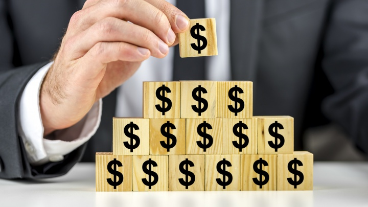 Лопнула очередная финансовая пирамида: что делать