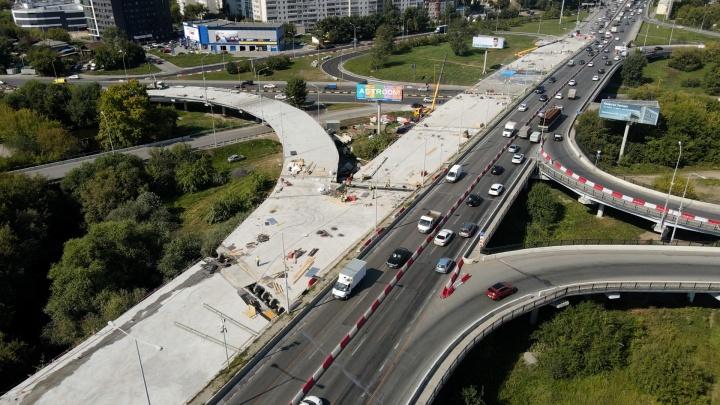 До финала еще далеко: летаем над мостом по Луганской за неделю до 1 сентября
