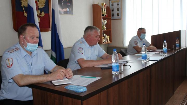 Начальник свердловской полиции проверил работу подчиненных в области