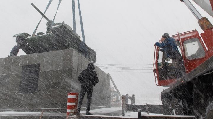 «Не только на бюджетные деньги можно привести в порядок»: в Волгограде восстановили погибавший танк «Челябинский колхозник»