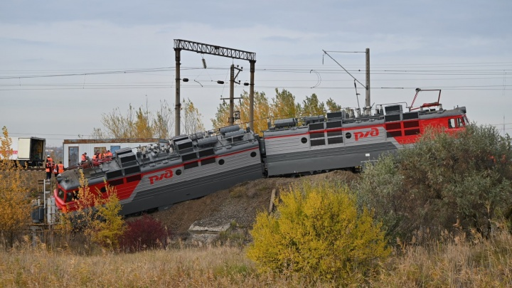 Под Ростовом сошел с рельсов поезд