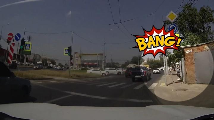 Что не так с пешеходным переходом на кольце Селезнева и Ялтинской? Мнение урбаниста из Краснодара