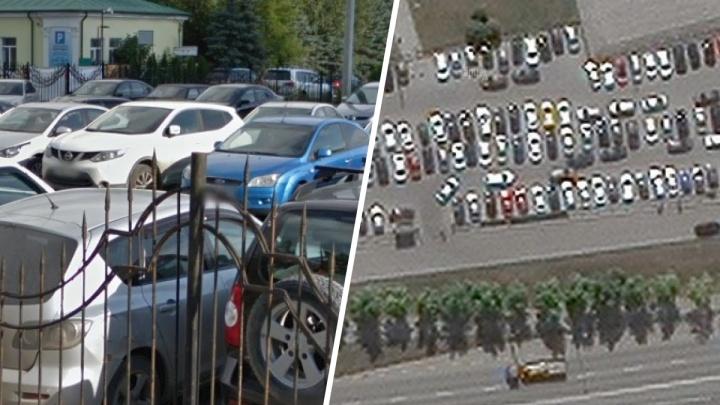 В Екатеринбурге черные парковщики захватили одну из самых крупных стоянок Октябрьского района