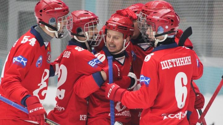 «Славная была битва»: хоккейный «Енисей» вырвал победу у титулованного московского «Динамо»