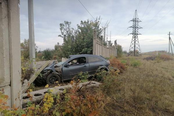 В аварии уцелела только половина машины