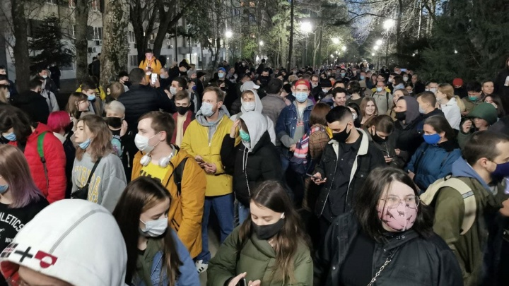 Туда-сюда-обратно: как протестующие прогулялись в центре Ростова