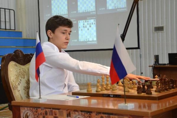 В составе сборной Есипенко обыграл немало команд. В том числе шахматистов из Венгрии, Китая и США