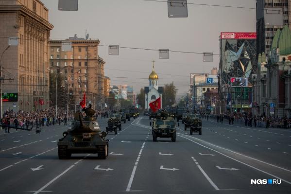 В параде примет участие военная техника