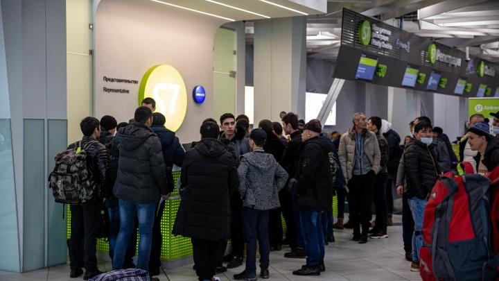 Аэропорт Якутска закрыли из-за снегопада — рейсы из Новосибирска задерживаются
