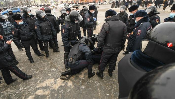 Госдума повысила штрафы за нарушения на митингах