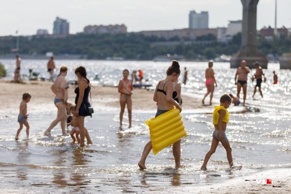 Волгоградцев ждет аномально жаркая неделя августа