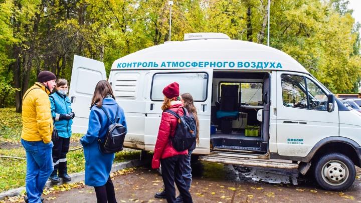 Лаборатория «Сибур-Химпрома» провела замеры воздуха в Балатовском парке