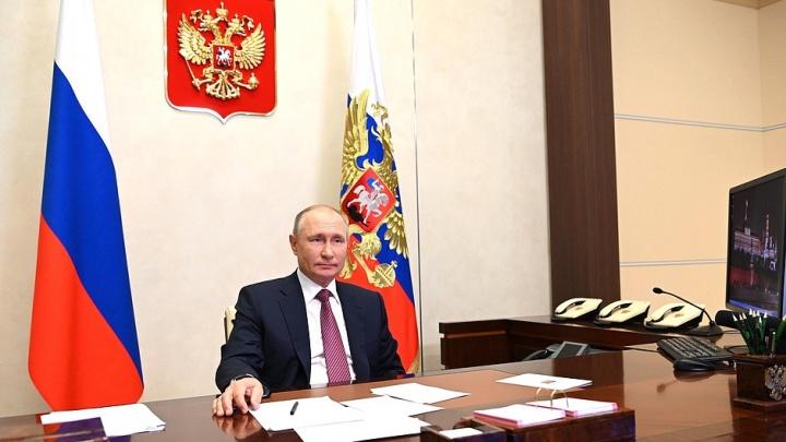 Школьник расплакался, общаясь с Путиным. Президент его успокоил