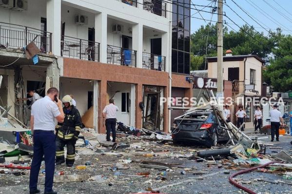 От взрыва пострадали несколько машин