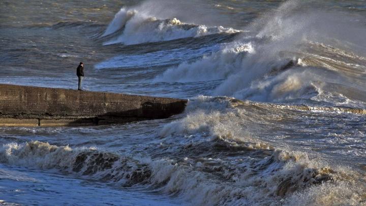 На Кубани продлили экстренное предупреждение из-за ливней
