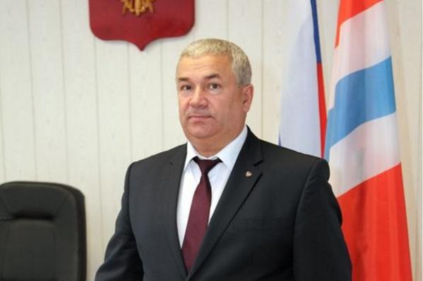 Александр Лямзин после службы перешел на гражданскую работу и сразу возглавил Исилькульский район