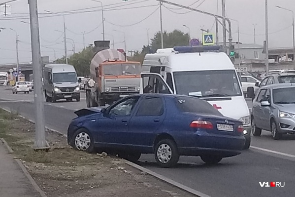 Авария произошла на улице Землячки