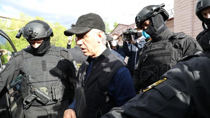 Суд приговорил бизнесмена и экс-депутата Анатолия Быкова к 13 годам колонии общего режима