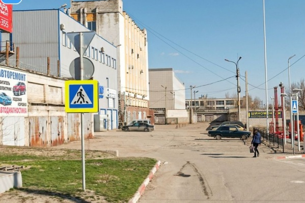 Инцидент произошел на парковке автосервиса по улице Рокоссовского