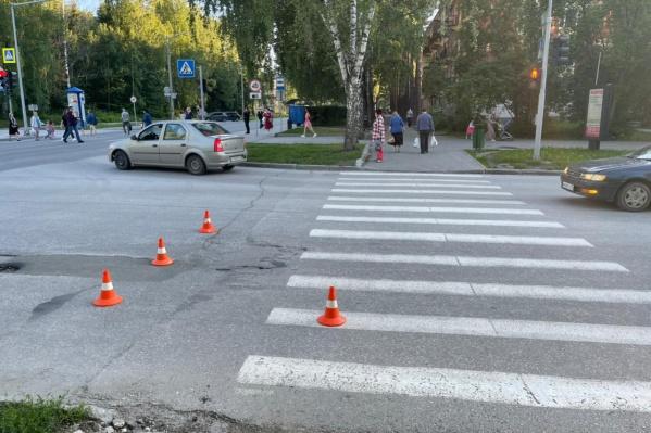 Ребенка сбили на пешеходном переходе со светофором