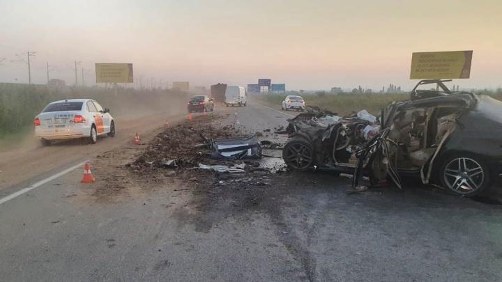 Три человека погибли в столкновении с грузовиком в Адыгее