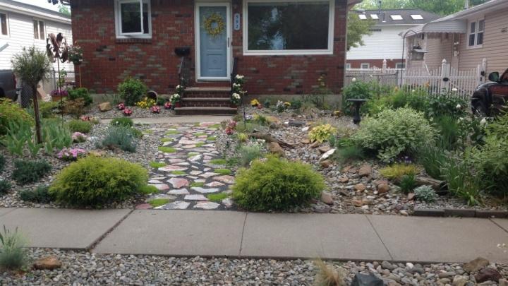 Советы для экономных и ленивых дачников: как за копейки обустроить стильный садовый участок