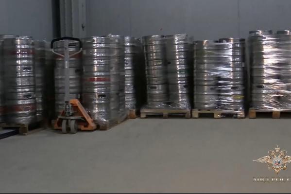 На складах и в магазинах изъяли 52 тонны контрафактного пива