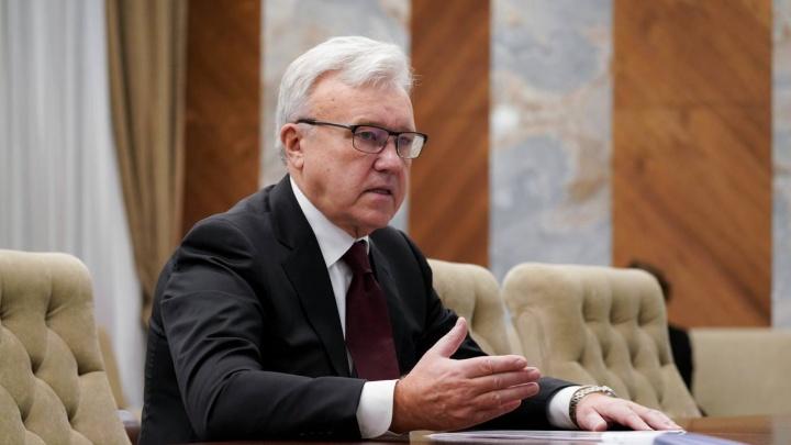 Губернатор Усс попал сразу в два кремлевских антирейтинга: красноярцы не верят ни ему, ни Путину