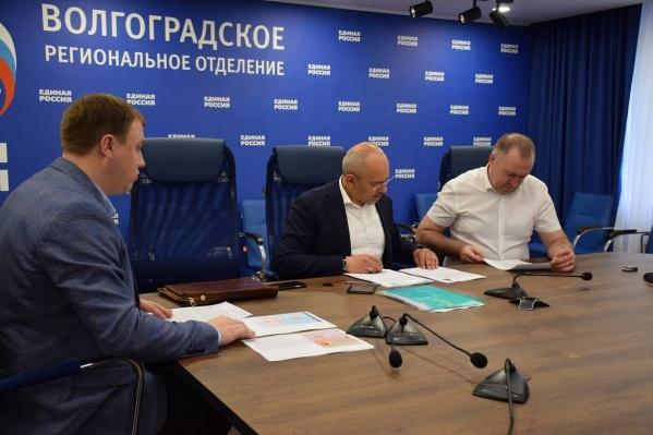 В Госдуму от Волгоградской области рвется депутат, избранный в Бурятии