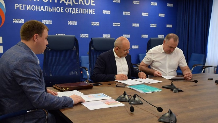 Нам отвели роль статистов: Волгоградскую область в Госдуме хочет представлять депутат от Бурятии