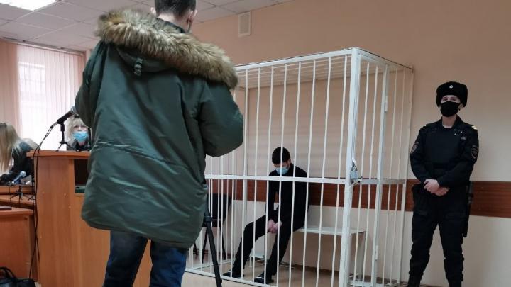 Дело Веры Пехтелевой: в Кемерово начался суд над убийцей девушки. Следим за ситуацией онлайн