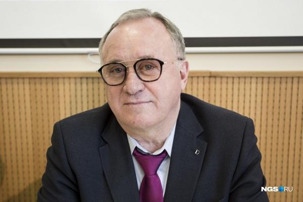 Сергей Проничев в 2019 году баллотировался в мэры города. Он также известен как основатель алкогольной компании «Сибирский бальзам»