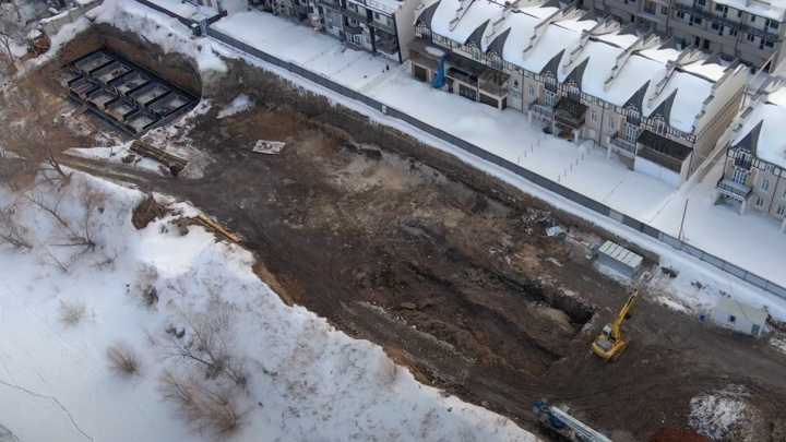 А не дом ли новый? Что происходит на месте строительства набережной в Самаре