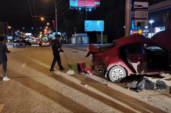 Автомобиль получил серьезные повреждения