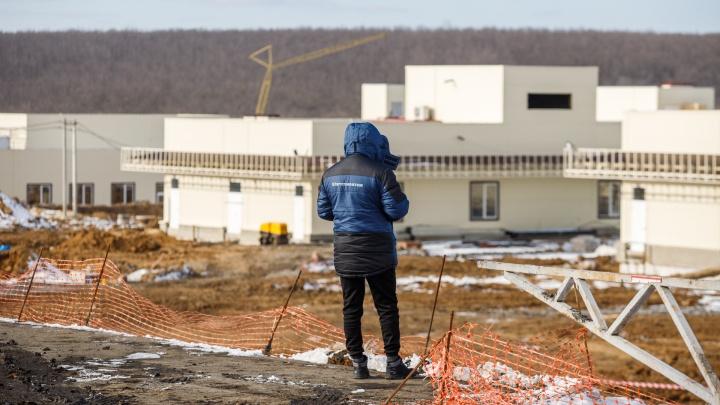 Полмиллиарда за сорванный дедлайн. Как фирма богатейшего депутата строит новую больницу в Ростове