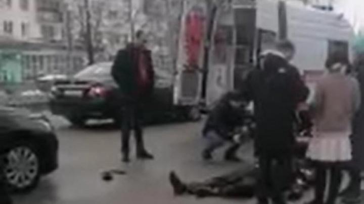В Прикамье водитель легковушки сбил троих человек у автобусной остановки