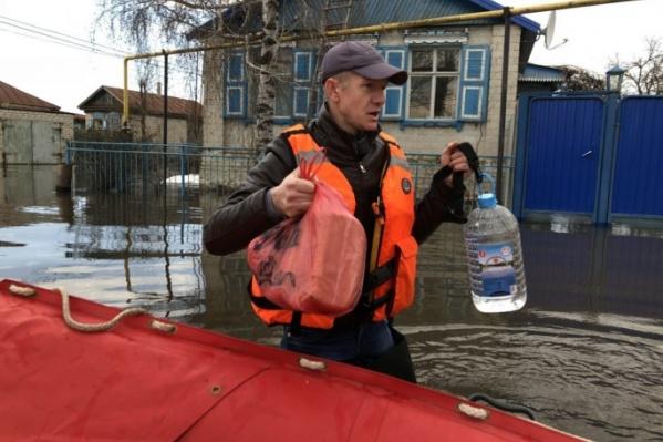 Спасатели готовы эвакуировать людей с затопленных территорий