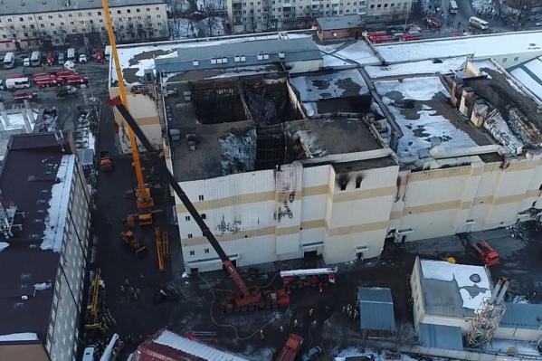 Пожар в торговом центре произошел 25 марта 2018 года. В нем погибли 60 человек, большинство из которых — дети