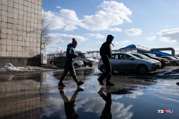 После холодного и капризного марта апрель порадует теплом тюменцев