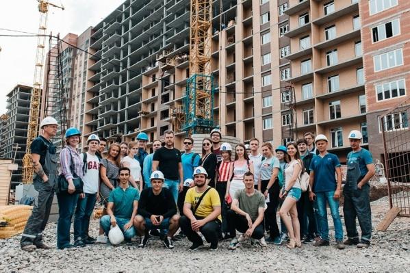 Студенты на строительстве ЖК «Ньютон»