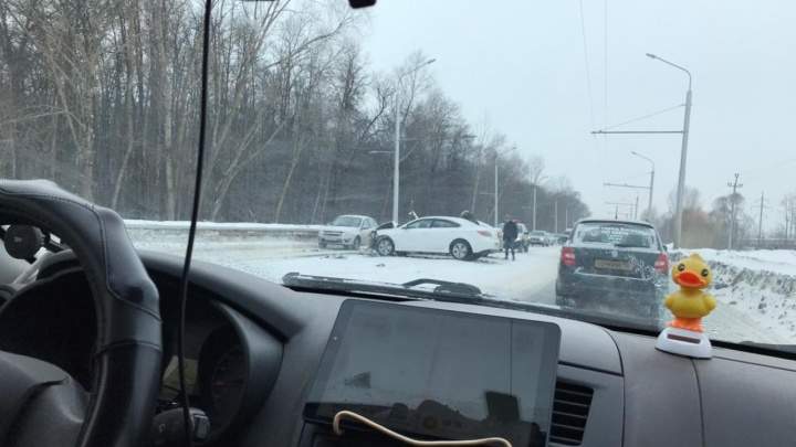 В Уфе из-за ДТП с участием такси образовалась пробка
