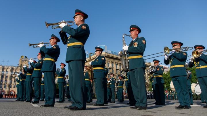 Волгоградцы смогут посмотреть парад Победы—2021 только на репетициях
