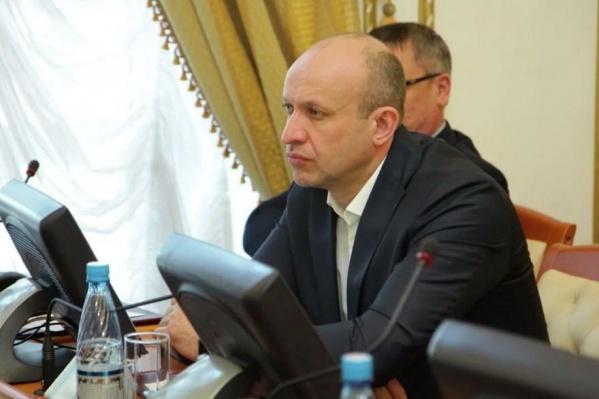 Областная дума провела совещание, на нем рассмотрели вопрос о сложении полномочий «депутата-живодера»